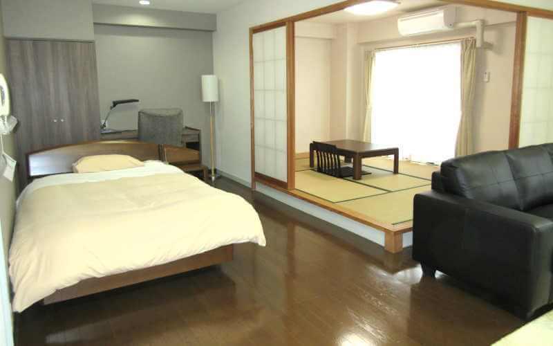 アローンズ大阪 広い部屋